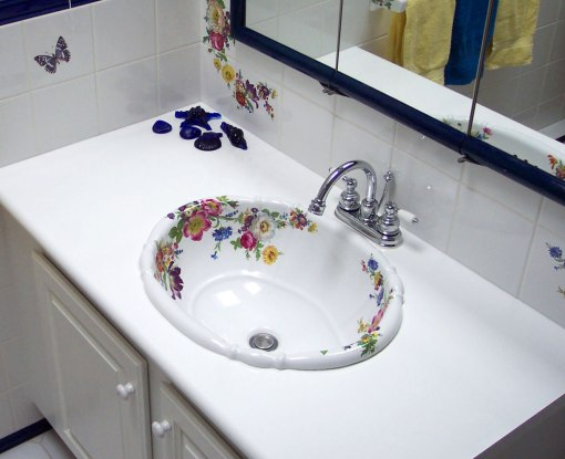 Blue and White Scented Garden Bathroom